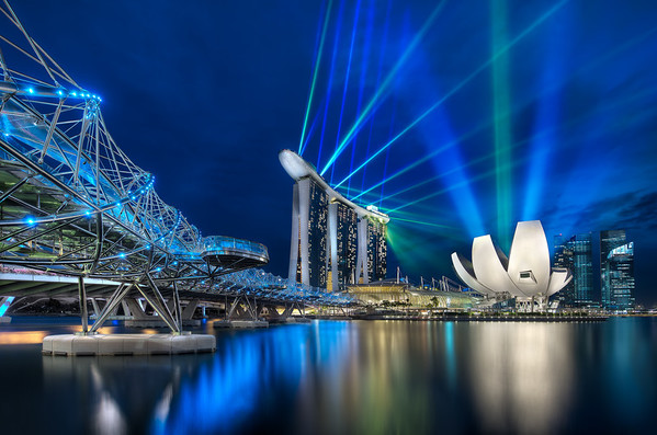 Marina Bay Sands and The Helix Bridge || Singapore