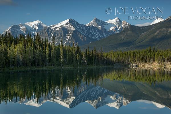 Herbert Lake, Banff National Park, Icefields Parkway, Alberta, Canada