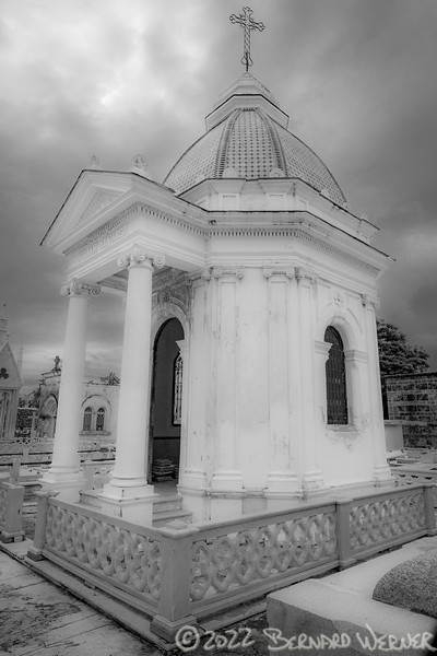 Colón Cemetery 1