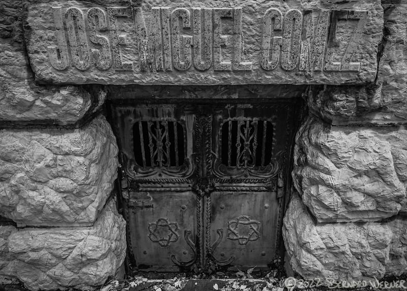 Colón Cemetery 25