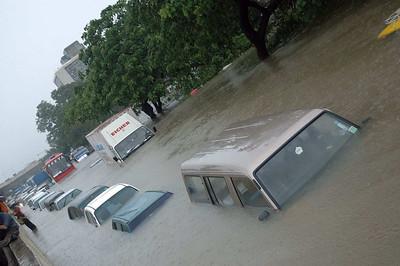 Rains wreak havoc in Mumbai, India