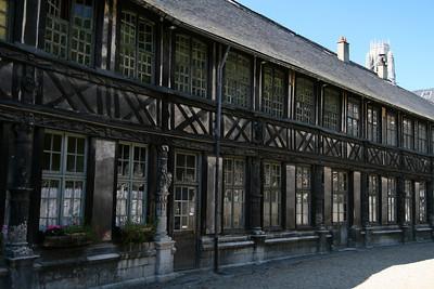 Rouen. Aître St-Maclou