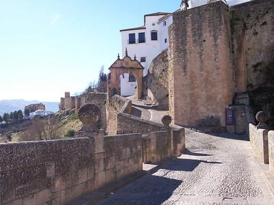 Ronda. Puerta de Felipe V y Murallas de la Xijara