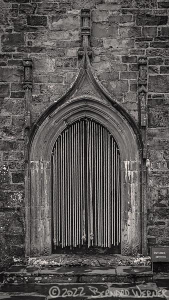 <--- Entrance