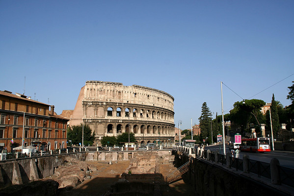 The colosseum through the ruins of the gladiators' entrance
