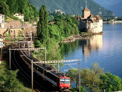 Amazing train routes around the World