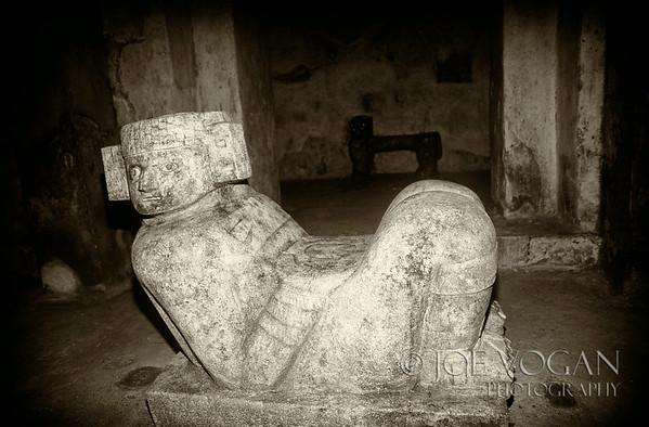 El Castillo pyramid, Temple of Kukulcan, Chichen Itza, Mexico