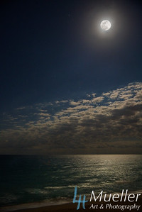 Full Moon Oceanside