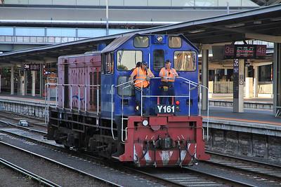 V/Line Y161, Melbourne Southern Cross, shunting - 19/11/13.