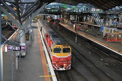 V/Line N461, Melbourne Southern Cross (née Spencer Street), 8205 07.19 to Warnambool - 19/11/13.