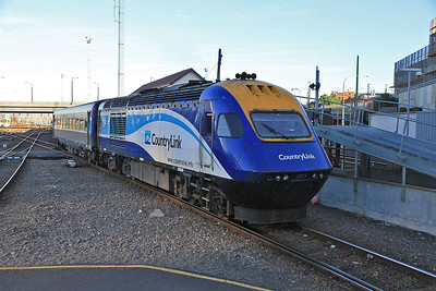 Countrylink XPT 2015 arr Melbourne Southern Cross, 8612 20.43 (prev day) ex Sydney Central - 19/11/13.