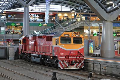 V/Line N462, Melbourne Southern Cross, after working in on 8106 06.12 ex Bacchus Marsh - 19/11/13.