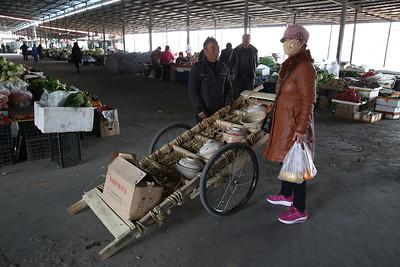 Sandaoling market - this is the pot-man - 21/03/17.
