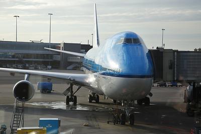KLM Boeing 747-406, PH-BFL, on stand at Amsterdam Schiphol, KL0897 17.35 to Beijng - 19/03/17.