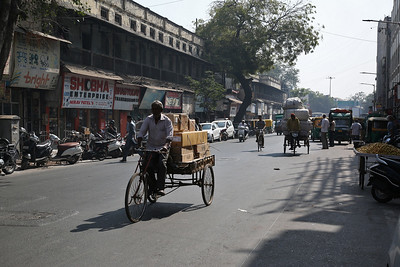 The busy road outside our hotel in Ahmedabad with some heavily laden Cycle-Rickshaws in evidence - 24/11/17.