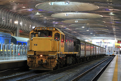 MAXX DC4254 at Britomart on 2227 10.08 to Papakura - 17/11/2011.
