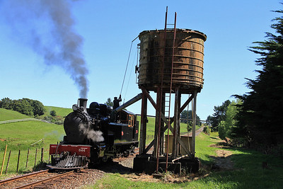 GVR 2 (Ww644) stops for water on it's way back LE to the shed at Pukeoware  - 10/11/2011.