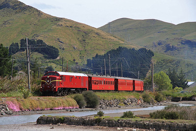 DTG DG772 approaches 'The Island' on a private charter from Moorhouse to Ferrymead - 20/11/2011.