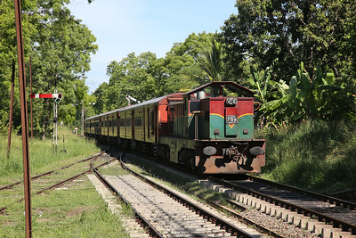 SLR M6-794 arr Nagollagama, 4004 05.45 Vavuniya-Colombo Fort - 20/04/19