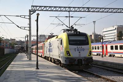 TCDD E68 010, Izmir Basmane, 32009 17.15 to Balikesir 'Karesi Ekspresi' - 16/11/19