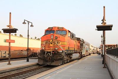 BNSF 5654, Glendale, on rear of 101 06.52 Los Angeles-Moor Park - 25/08/16.