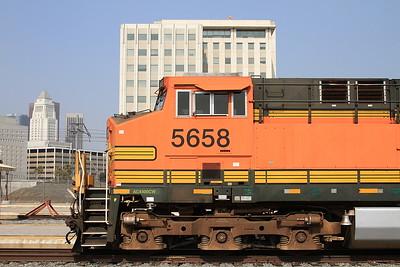 BNSF 5658, Los Angeles Union, 315 06.53 ex San Bernardino - 25/08/16.