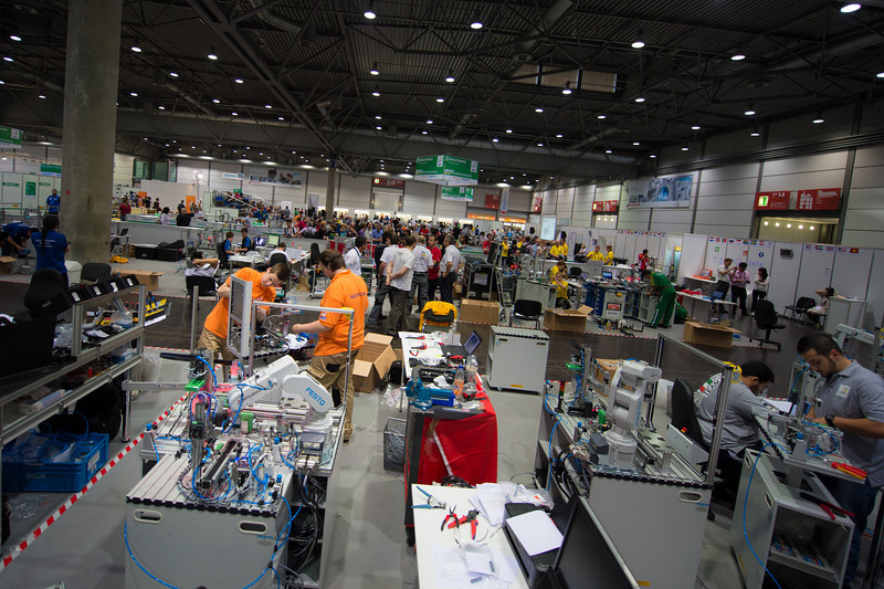 Leon Coppens & Ruud Rooijakkers - Mobiele Robotica