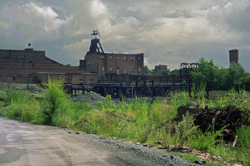 Abandoned ore cracking plant near Zmeinorgorsk (Змеиногорск)