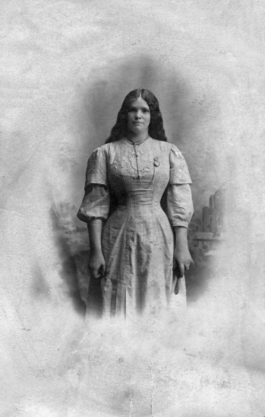 Annabella Gillespie Murphy<br /> Born in Ballynahinch, County Down, Northern Island on December 16, 1876<br /> Died in Chicago, Illinois on March 1, 1917
