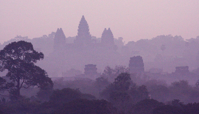 Angor Wat, Siem Reap at dawn