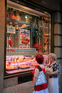 Madrid shoppers