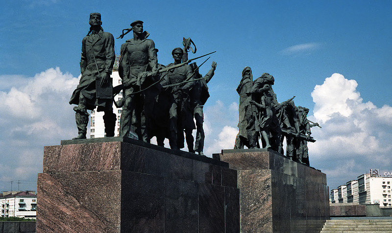 Twice life-sized sculptures by Mikhail Anikushin, of the heroic defenders of Leningrad during the 900-day siege in WWII.
