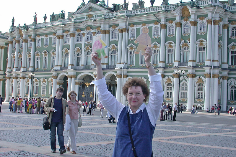 Nancy with Flat Andy & Flat Eddie at Palace Square