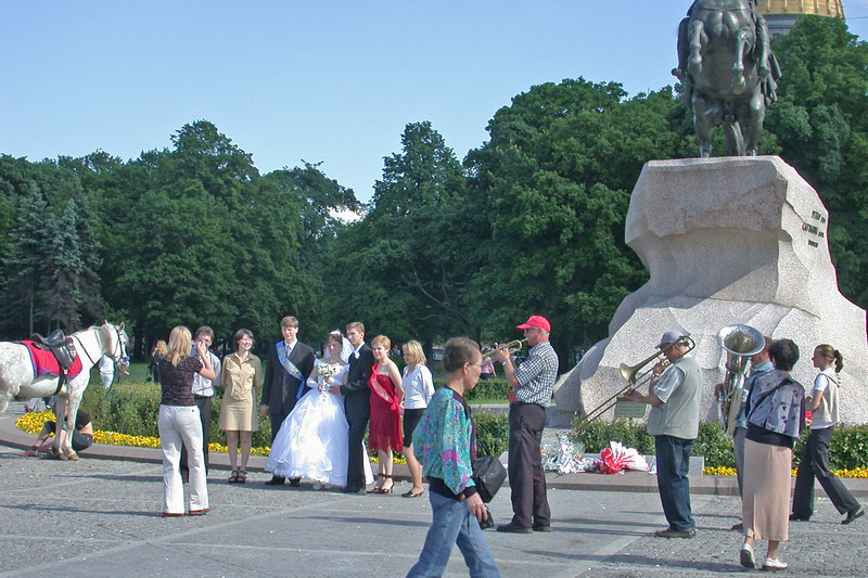 Brides and Grooms at the Statue of Peter the Great<br /> And a for-Profit Jazz Ensemble ;=)