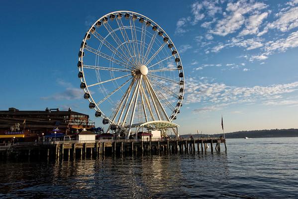 The sky wheel on the pier of Seattle, Washington