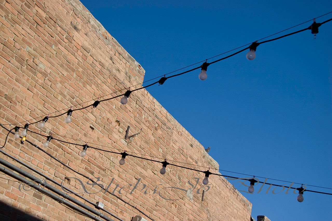 lights, wall, pigeon at Rockslide patio party, after PhotoWalk