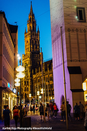 The New Town Hall, Glockenspiel, Marienplatz, Munich, Bavaria, Germany