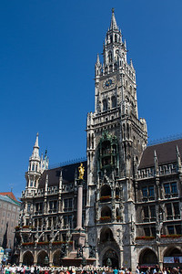 The New Town Hall, Glockenspiel, Marienplatz, Munich, Bavaria, Germany