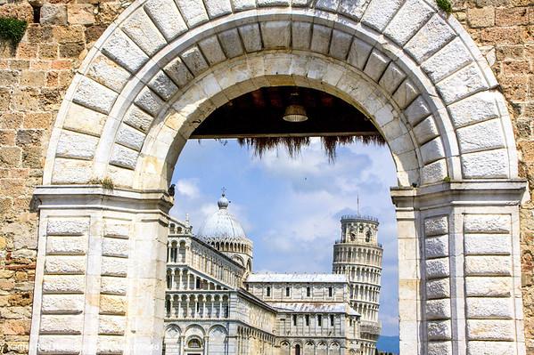 Piazza del Duomo through the gates, Pisa, Italy