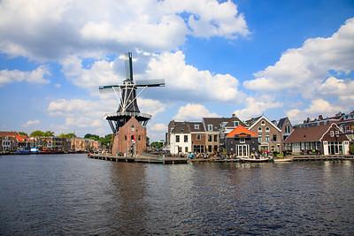Windmill De Adriaan (1779) Molen De Adriaan, Haarlem, Netherlands