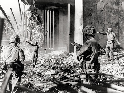 A Japanese soldier surrenders to a group of US Marines, Marshall Islands 1944. #ww2 #wwii #usmc #ww2usmc