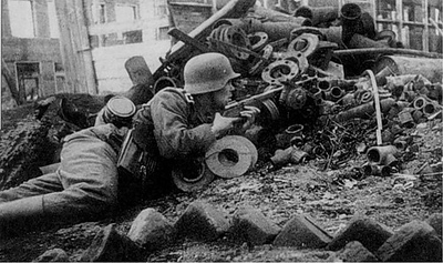 Another picture of a German Soldier with a captured gun. Can you tell what gun it is? #ww2 #wwii #german #ww2history