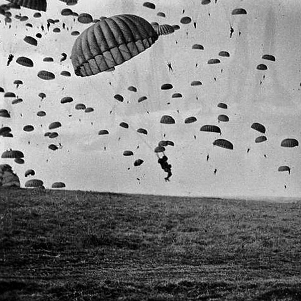 Right now 71 years ago the British 1st Airborne, 101st Airborne and 82nd Airborne were preparing for Operation Market Garden, invasion of Holland. #wwii #ww2 #marketgarden