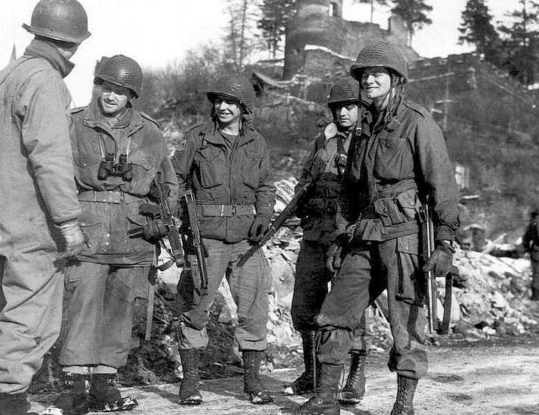 American soldiers in Belgium, 1945. #ww2 #wwii #ww2history #battleofthebulge