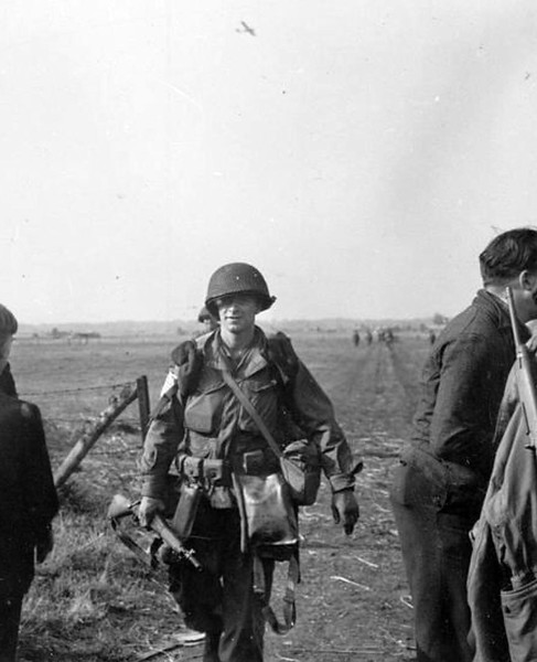 An American Paratrooper during Operation Market Garden, 1944. Notice what rifle he's using. #wwii #ww2 #marketgarden #paratrooper