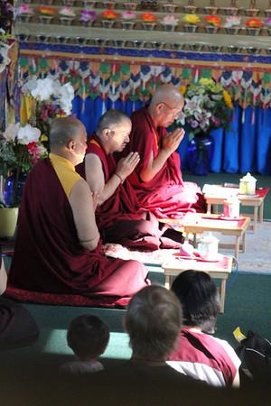 Khenchen Pema Sherab, Khenchen Tsewang Gyatso, Khenpo Tenzin Norgay during Guru Yoga