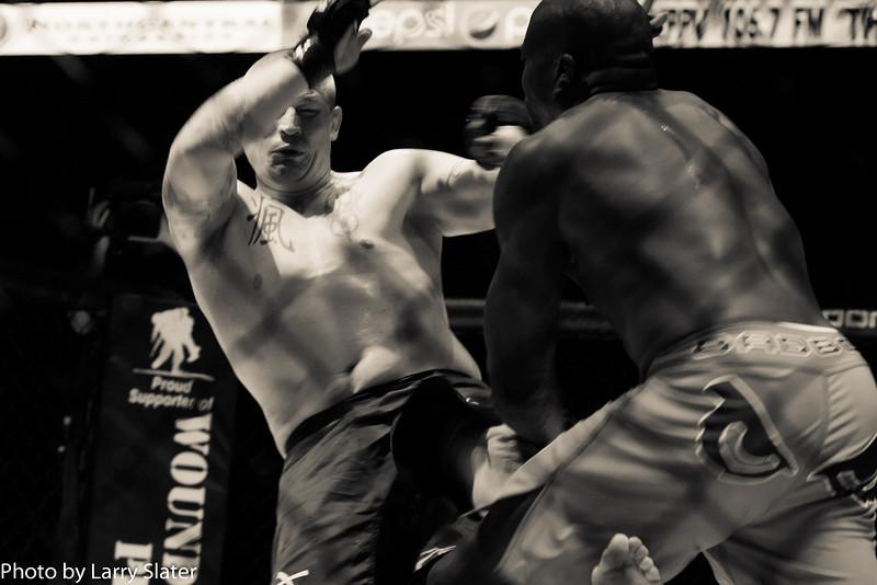 Joe Yager (Apex MMA) def  Ashley Gooch (MMA Lab)_R3P2289-2