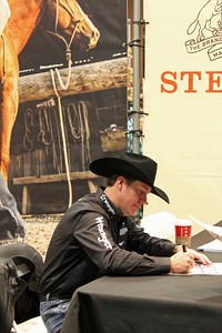 Trevor Brazile signing autographs at the MGM Grand.