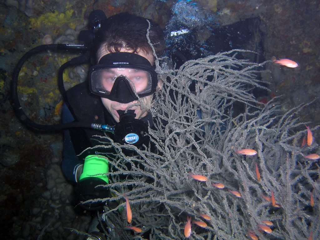 Single tank recreational diver on air at 54m inside a wreck - ahuh :-)       Check out that mask squeeze those eyes look painful