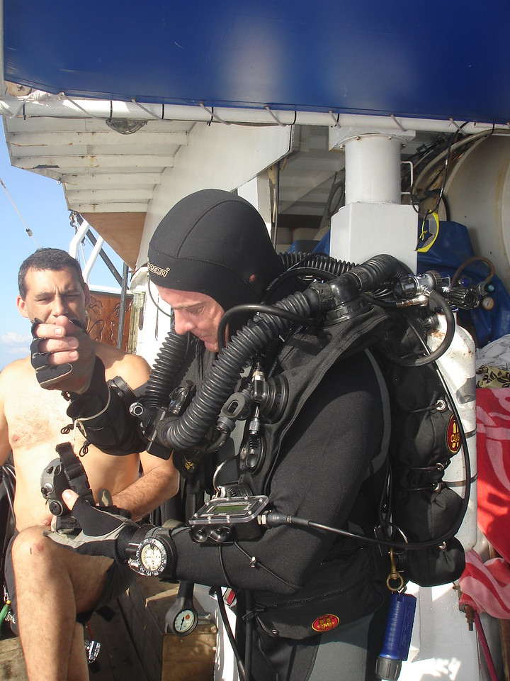 Mike preparing for a meg dive